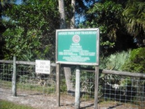 apoxee-park-trailhead-sign