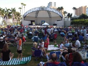 Meyer Amphitheater WPB people on grass