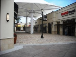 Palm Beach Outlets mall 001