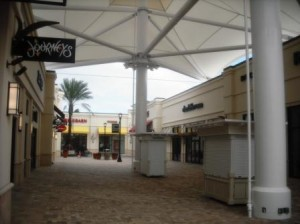 Palm Beach Outlets mall 002