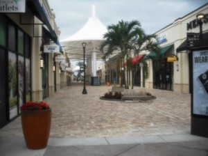 Palm Beach Outlets mall 004