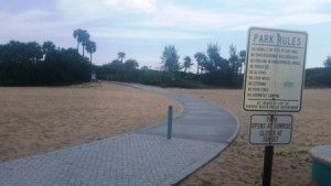 riviera-beach-municipal-beach-paved-walkway-to-beach