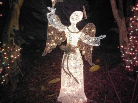 angel-at-hoffmans-winter-wonderland