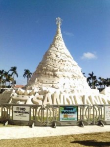 sandiland-christmas-tree-sand-sculpture-wpb-2016