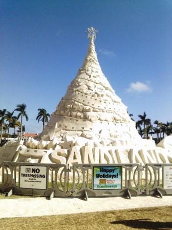 Sandiland Christmas Tree Sand Sculpture Wpb 2016 West